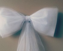white tulle bow